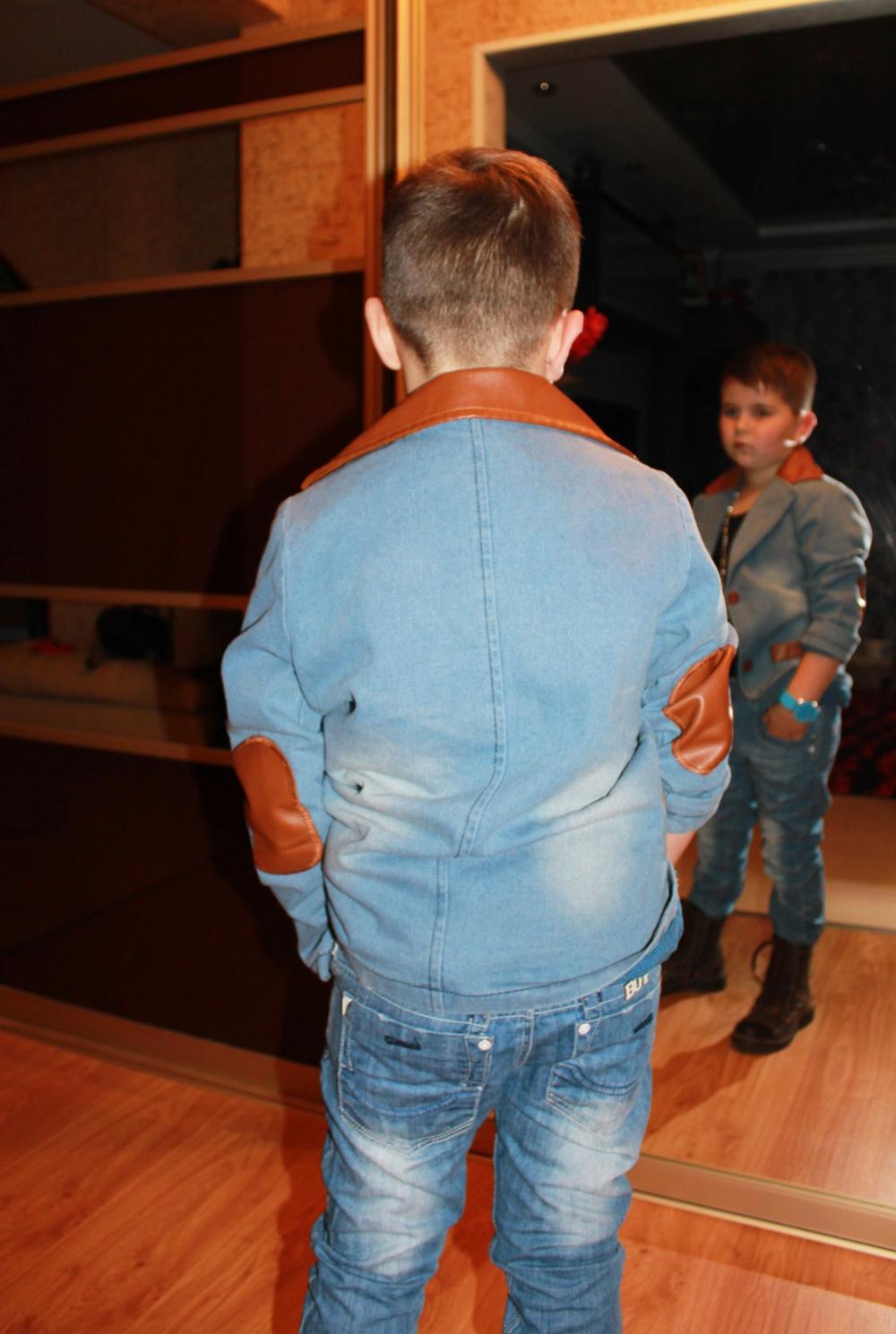 Сын задрал юбку маме когда они делали уроки 7 фотография